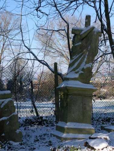 snow-grave